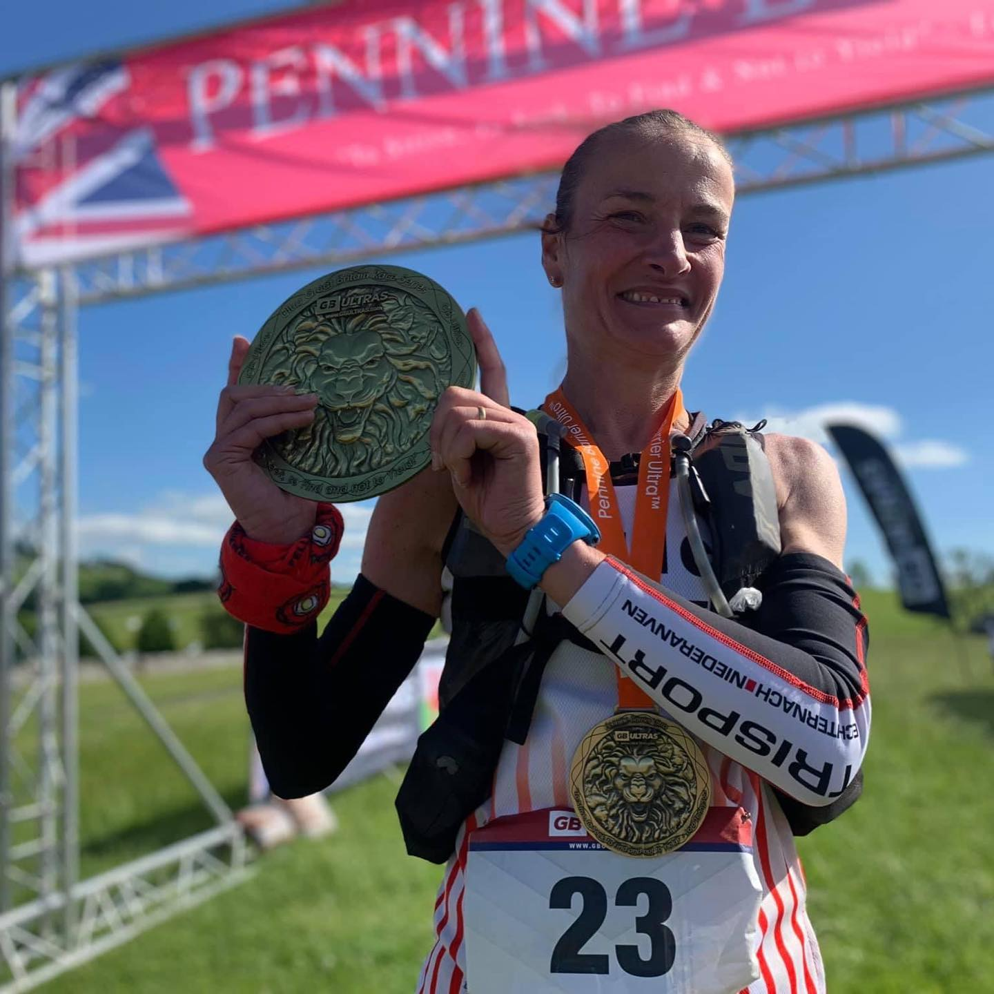 Lorraine Slater 1st lady and new CR Pennine Barrier Ultra